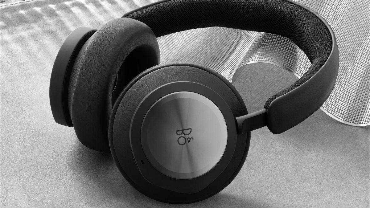 Echa un vistazo a los auriculares para juegos premium que cuestan tanto como una Xbox Series X 1